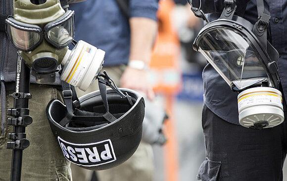 В Гонконге полиция разогнала митингующих слезоточивым газом (видео)