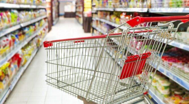 «Раскачивают рынок под новое подорожание». Почему продавцы массово переписывают ценники