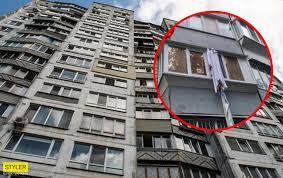 В Киеве мужчина сорвался с балкона, пытаясь сбежать по простыне